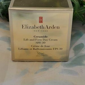Elizabeth Arden Ceramide Lift & Firm SPF Daycream